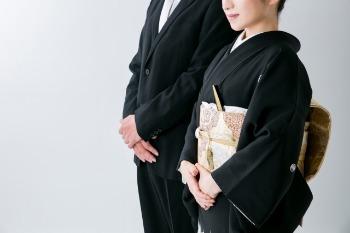 【結婚式の服装】親族(女性)は和装がマナー!?既婚者の場合は?