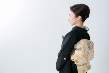 女性親族の結婚式の服装「着物レンタル」