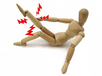 足の指がつる原因は「5つ」!○○をすると逆効果に!