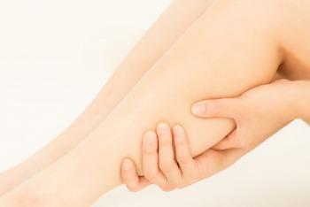 足の指がつる原因とNGの対処法