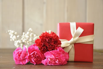 母の日のプレゼント♪義母への花以外の贈り物は?選び方はコレ!