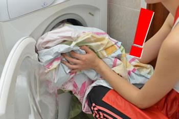 梅雨時の洗濯物の臭い!洗濯しても「汗の臭い」が落ちない理由と対策